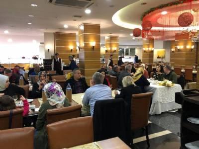 İkizdere Belediye Personeli 2019'a veda yemeğinde...